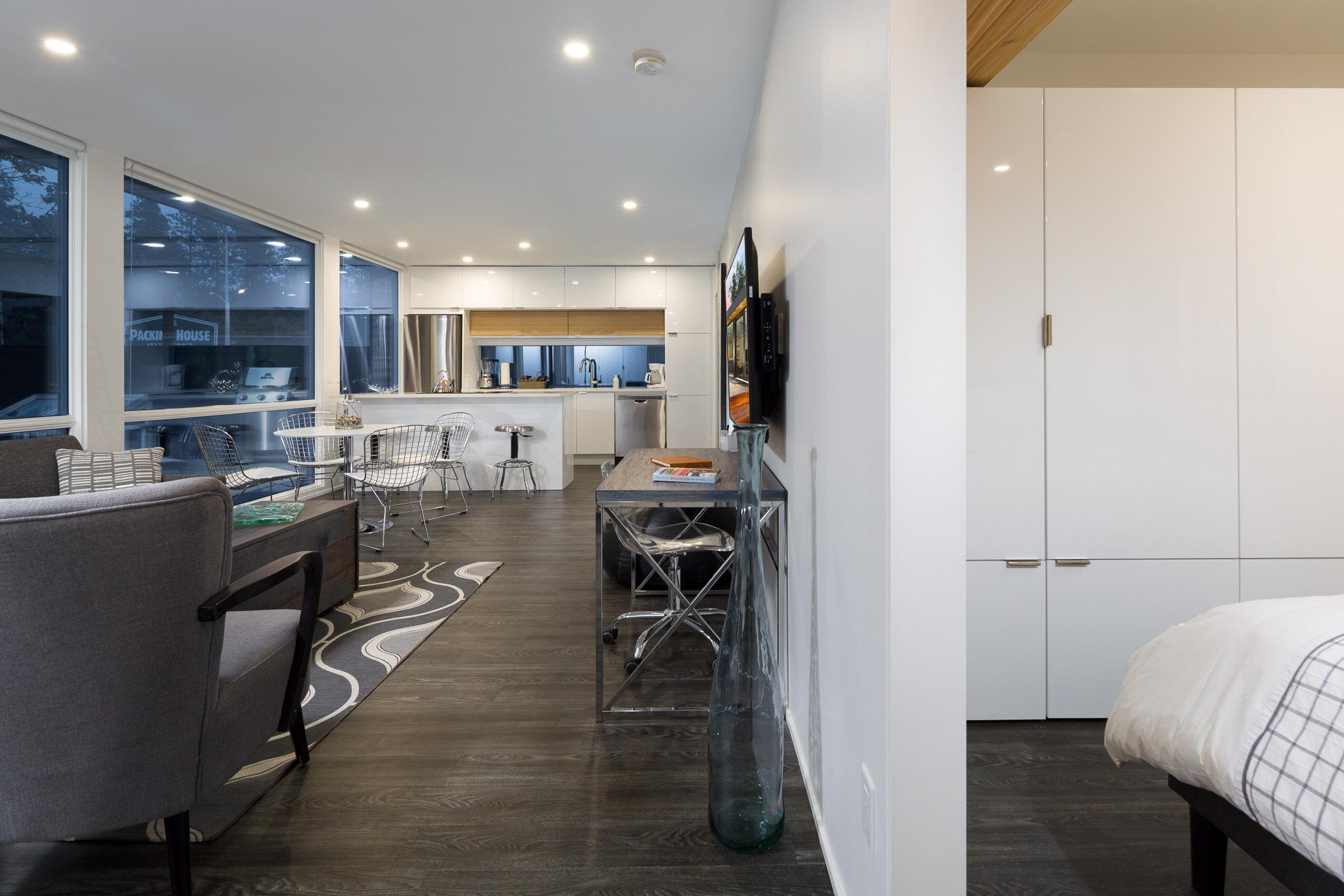 H04 2 Bed Kitchen 2.jpg