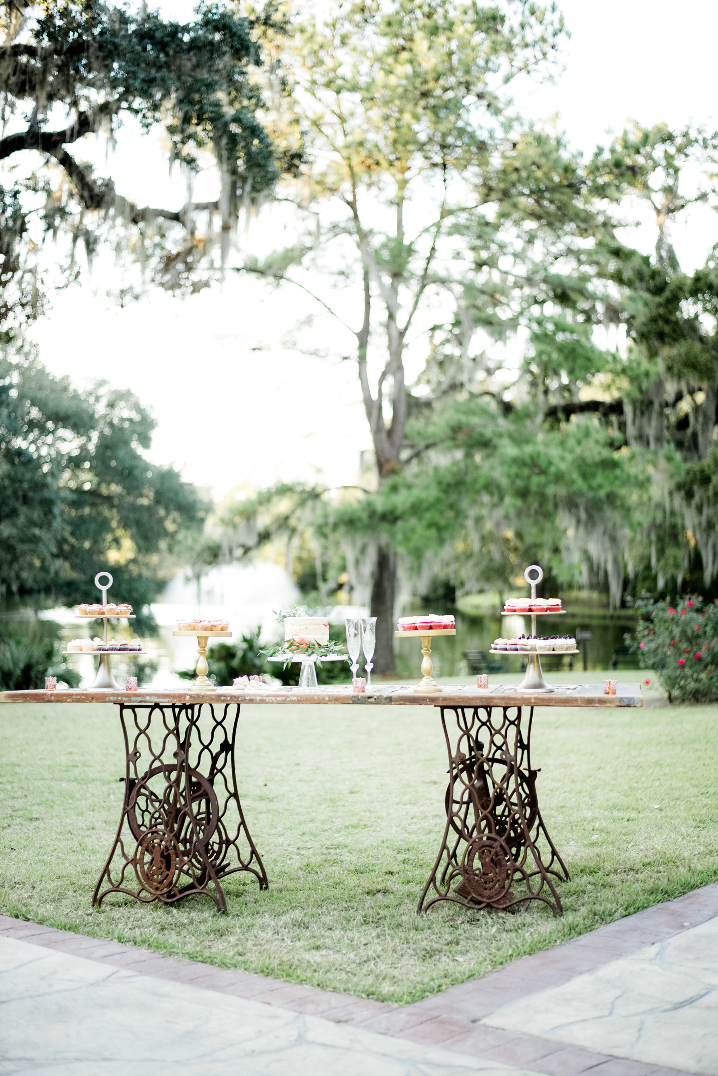 A CLASSIC FALL WEDDING AT THE LEGARE WARING HOUSE
