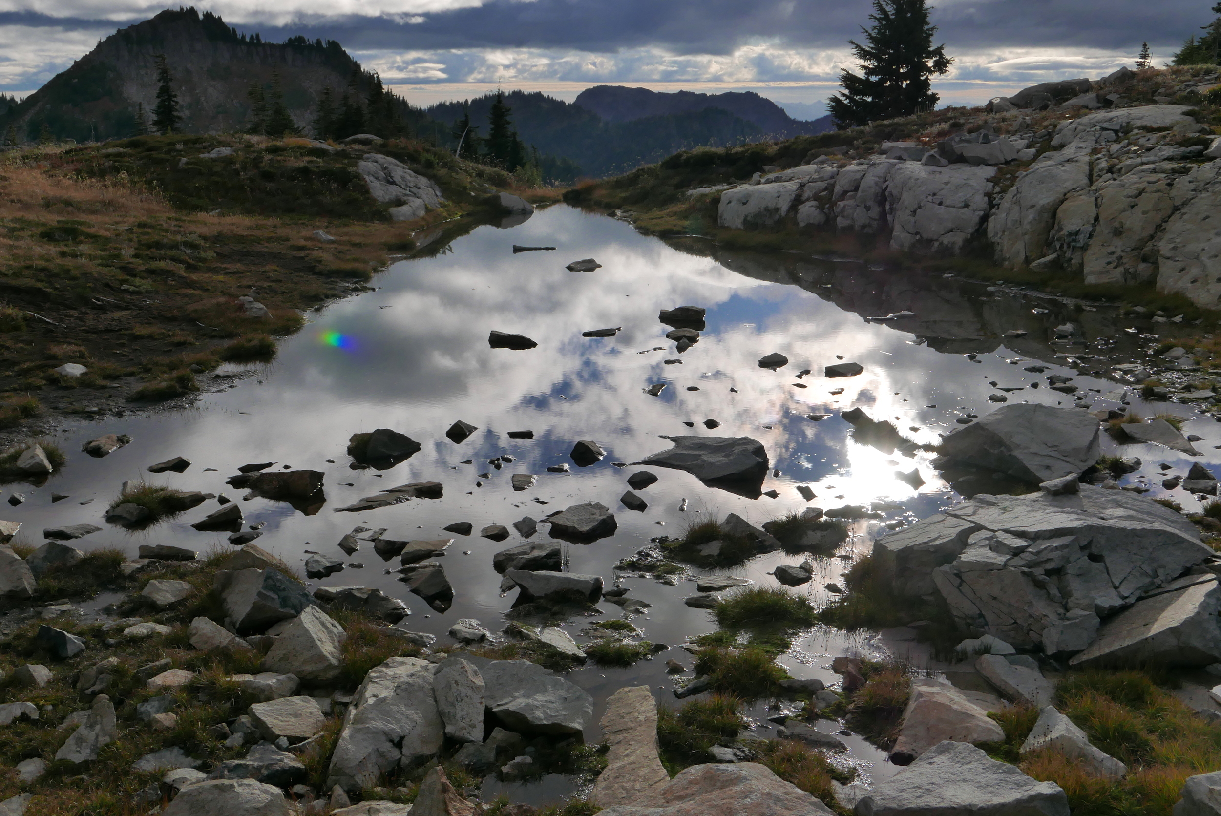 tarn below Pyramid Peak