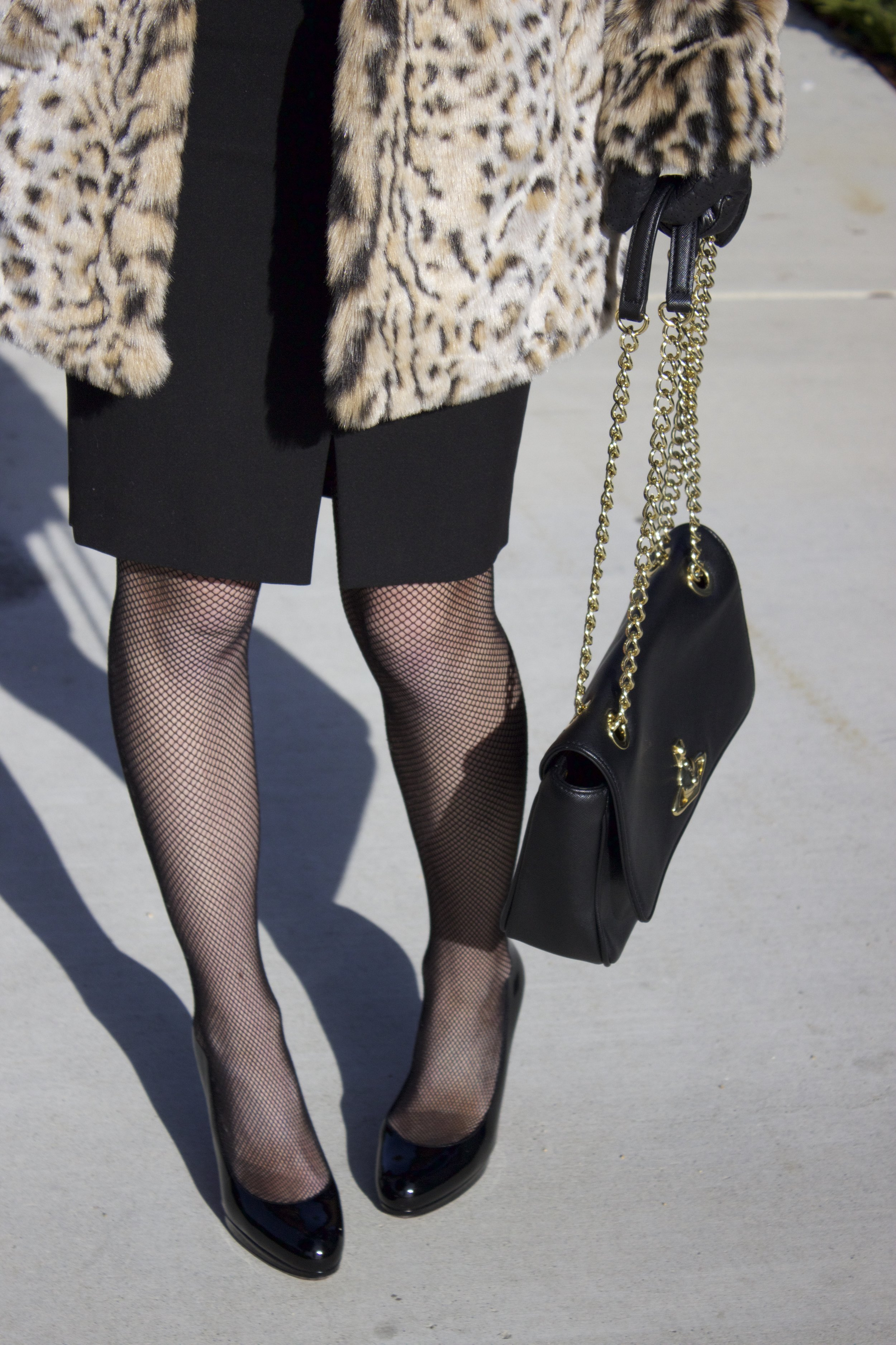 statement-coat-and-fishnets.jpg