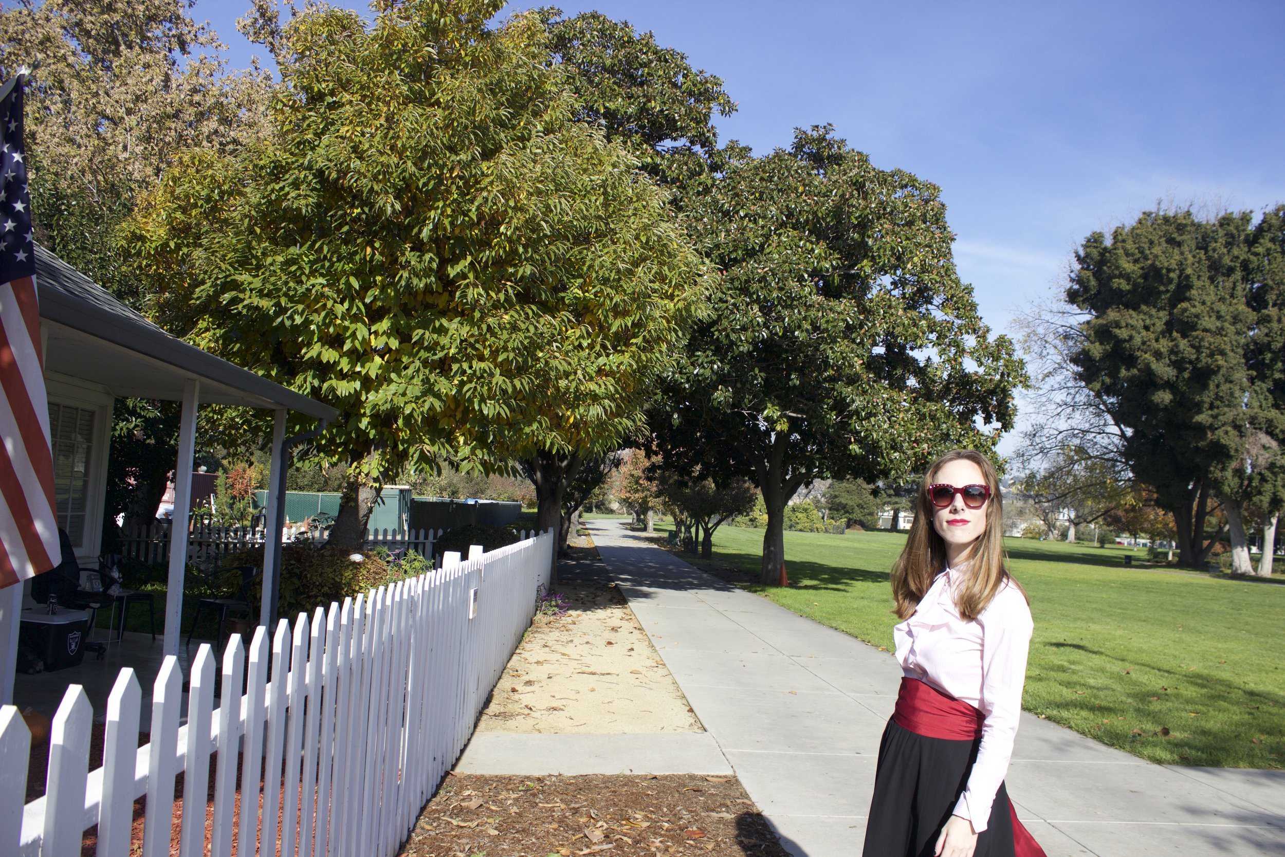 picket-fence-and-holiday-style.jpg