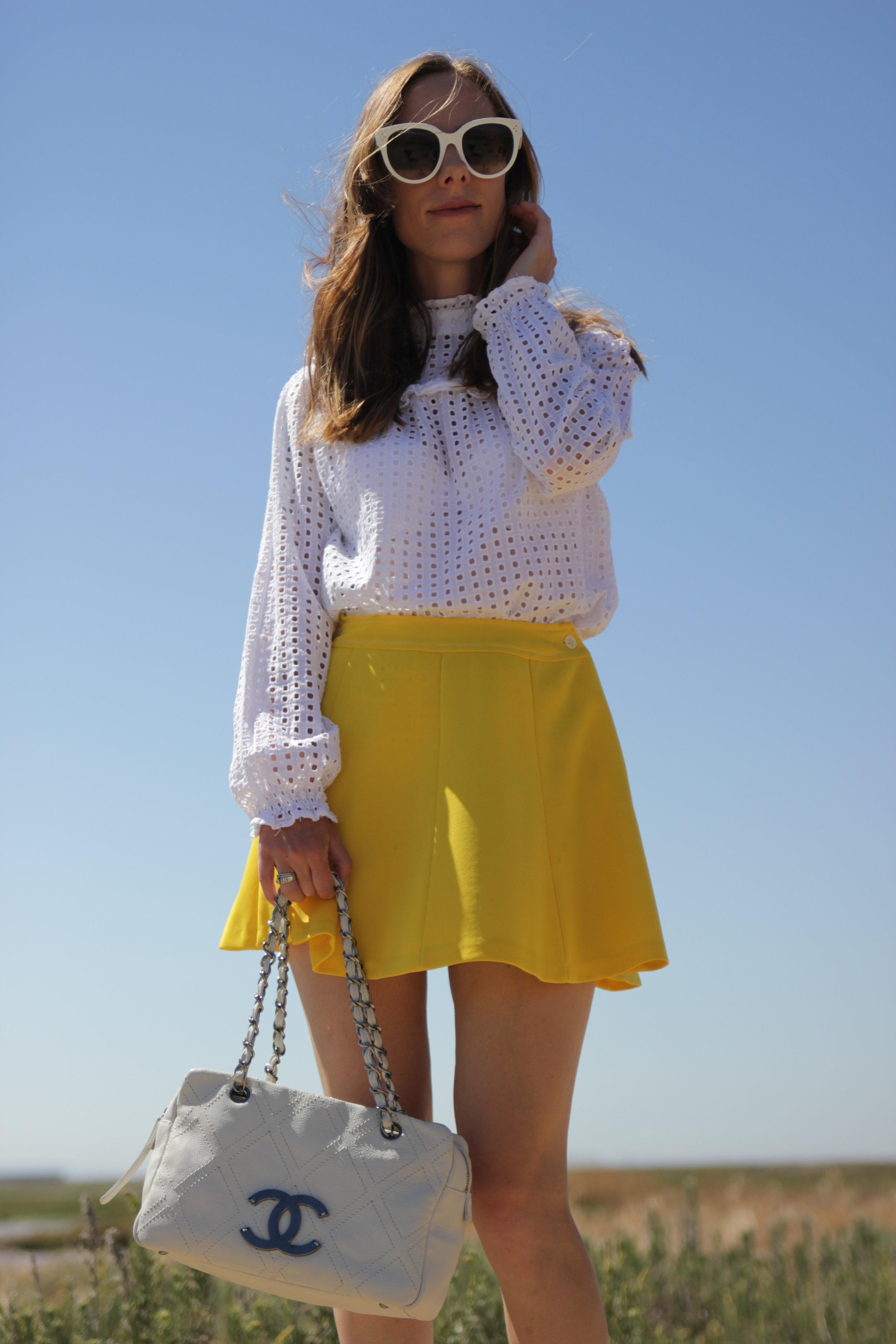 yellow-vintage-miniskirt.jpg