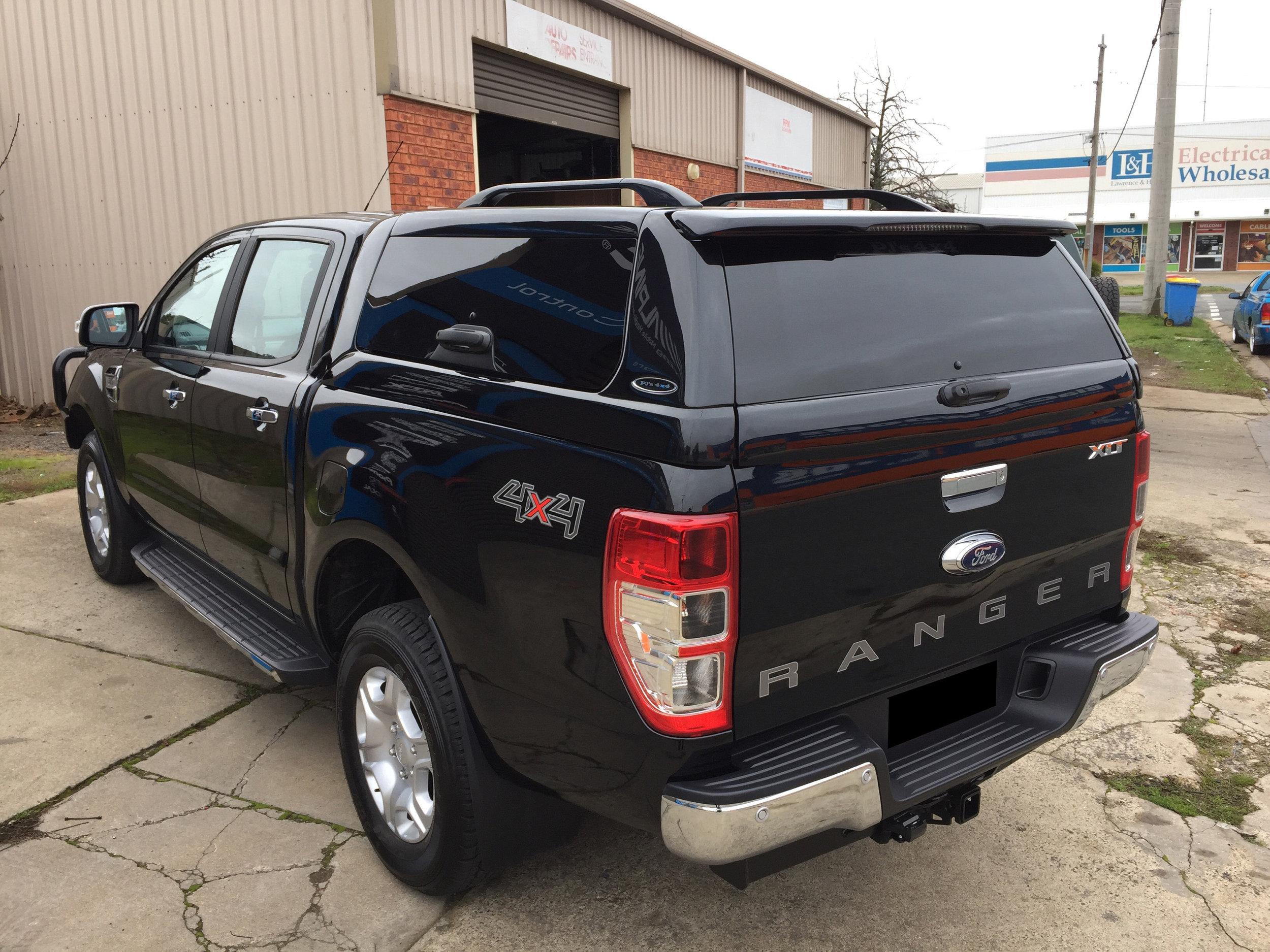 Ford Ranger ELITE Black 2.JPG