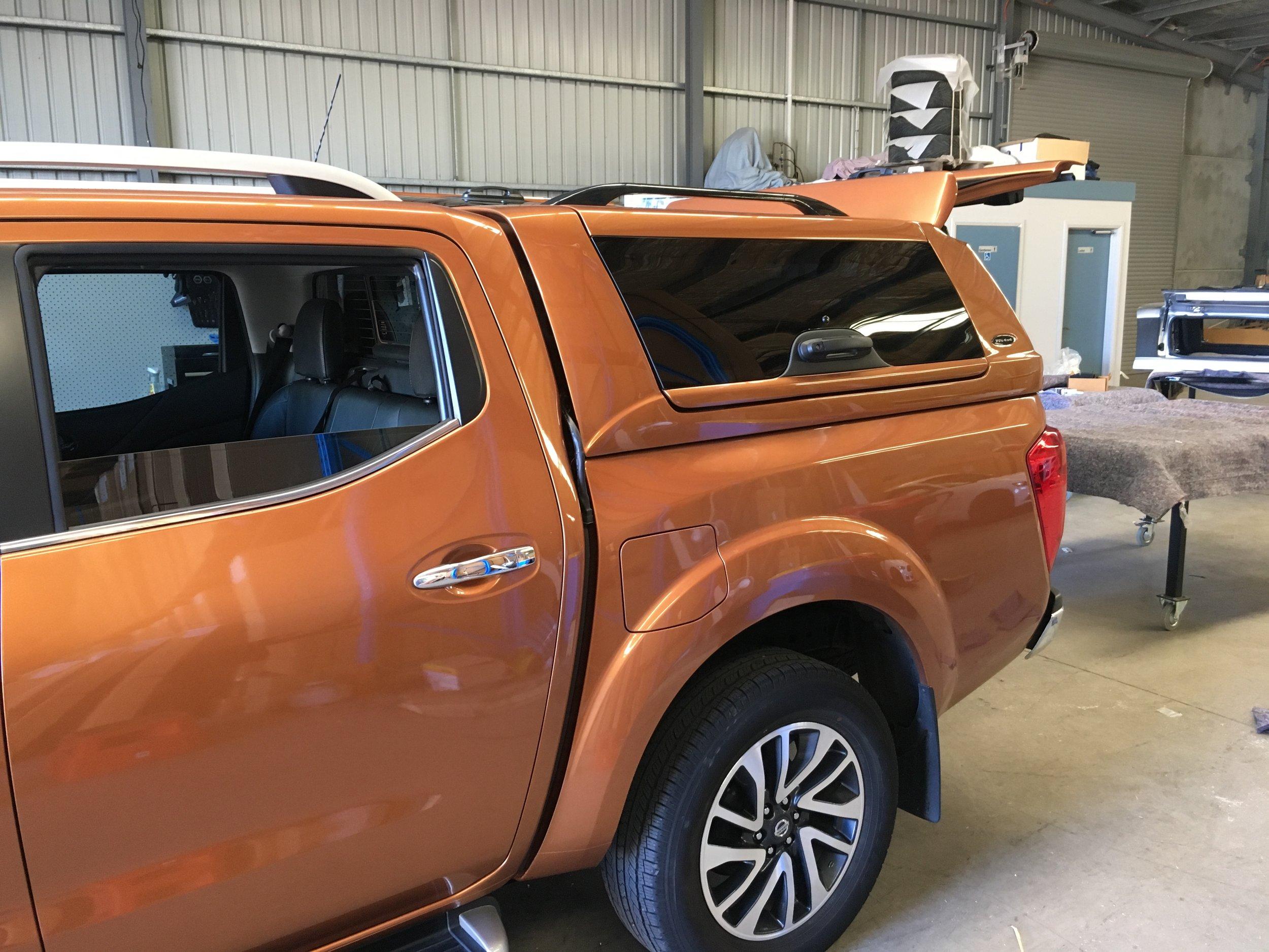 Nissan NP300 ELITE Canopy_Hornet Gold (1).JPG