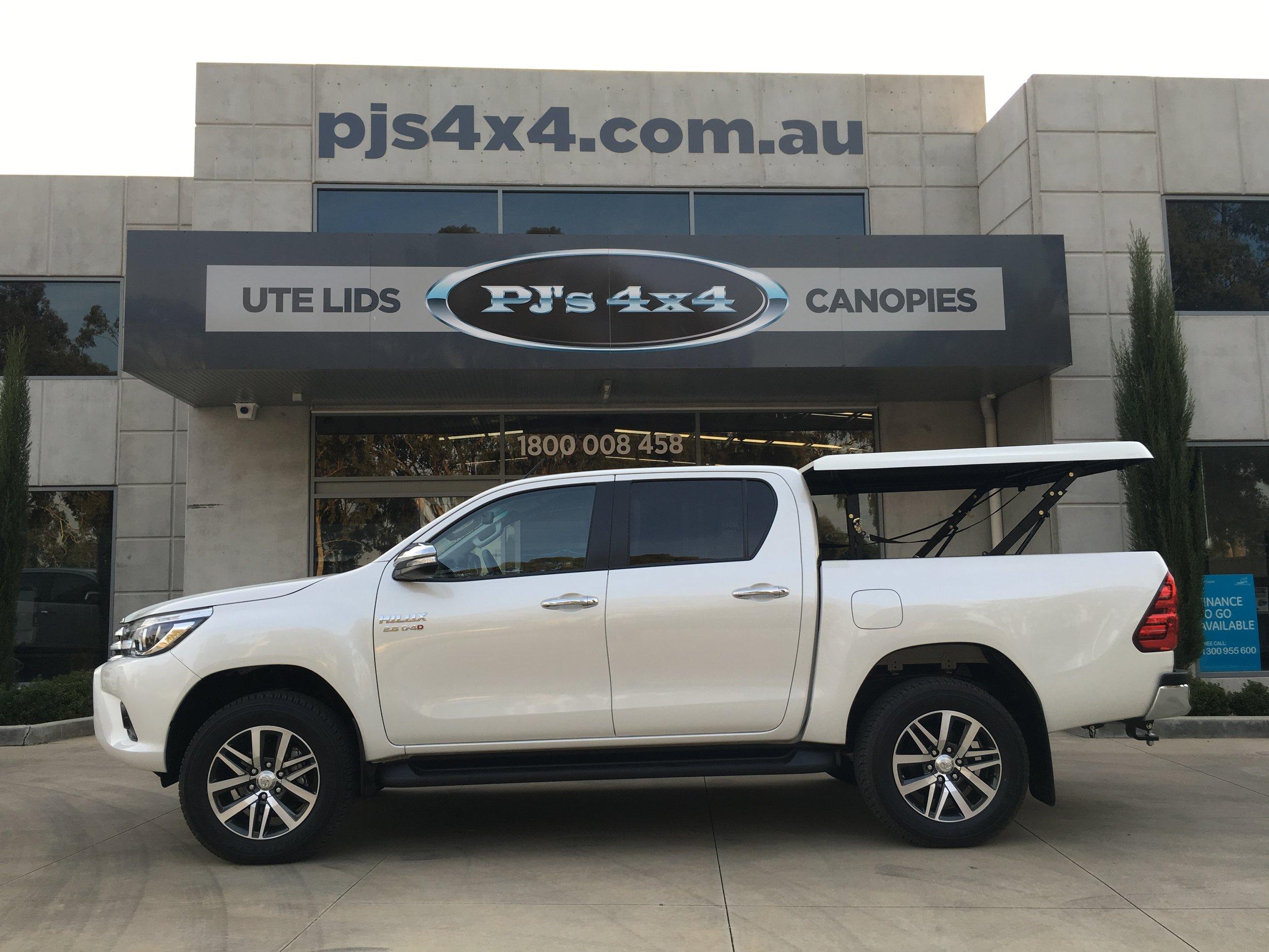 Toyota Hilux (new) TopUp Standard (7).JPG