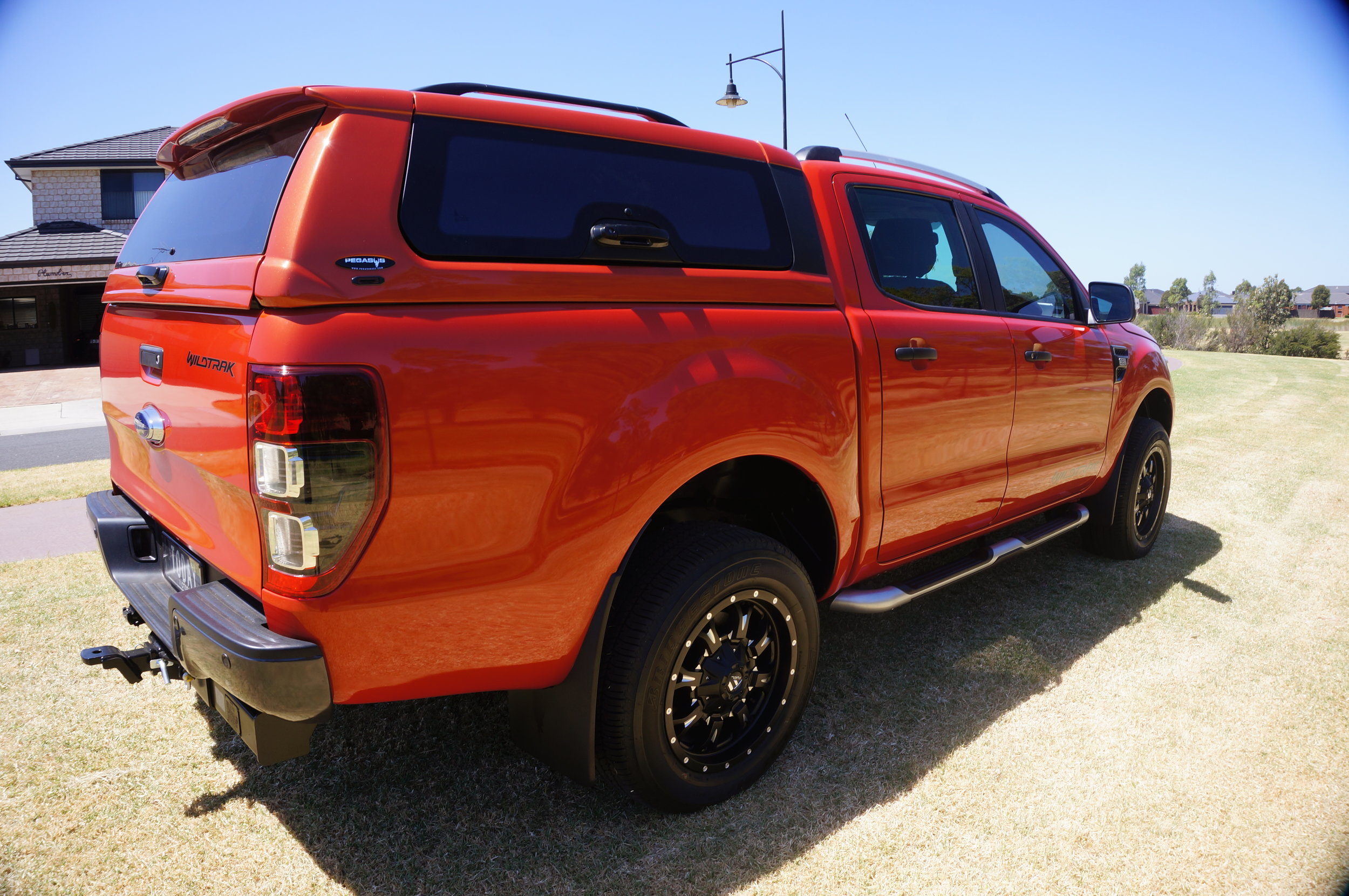Ford Ranger Twentyten canopy Orange 2.jpg