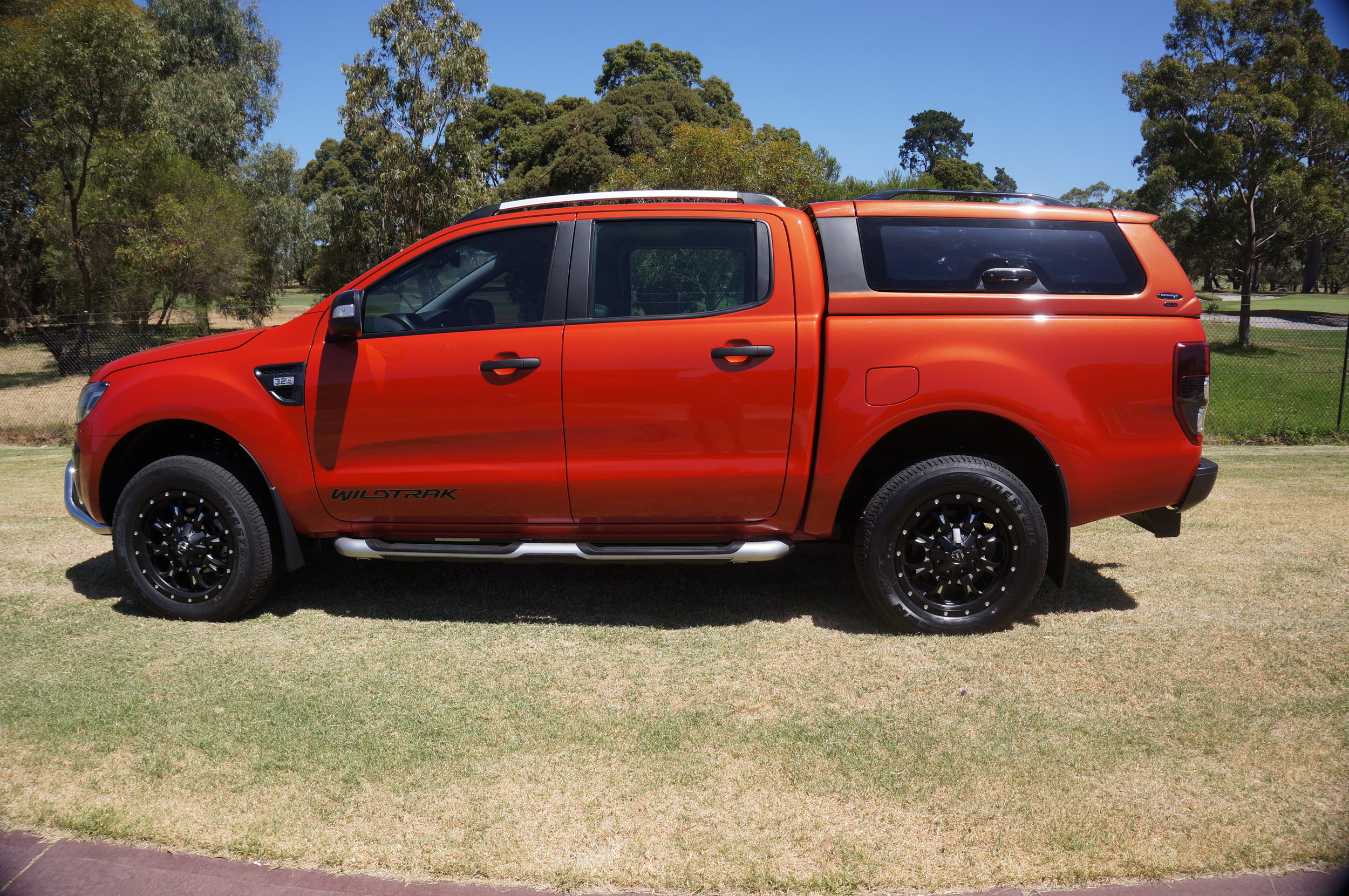 Ford Ranger Twentyten canopy Orange 9.jpg