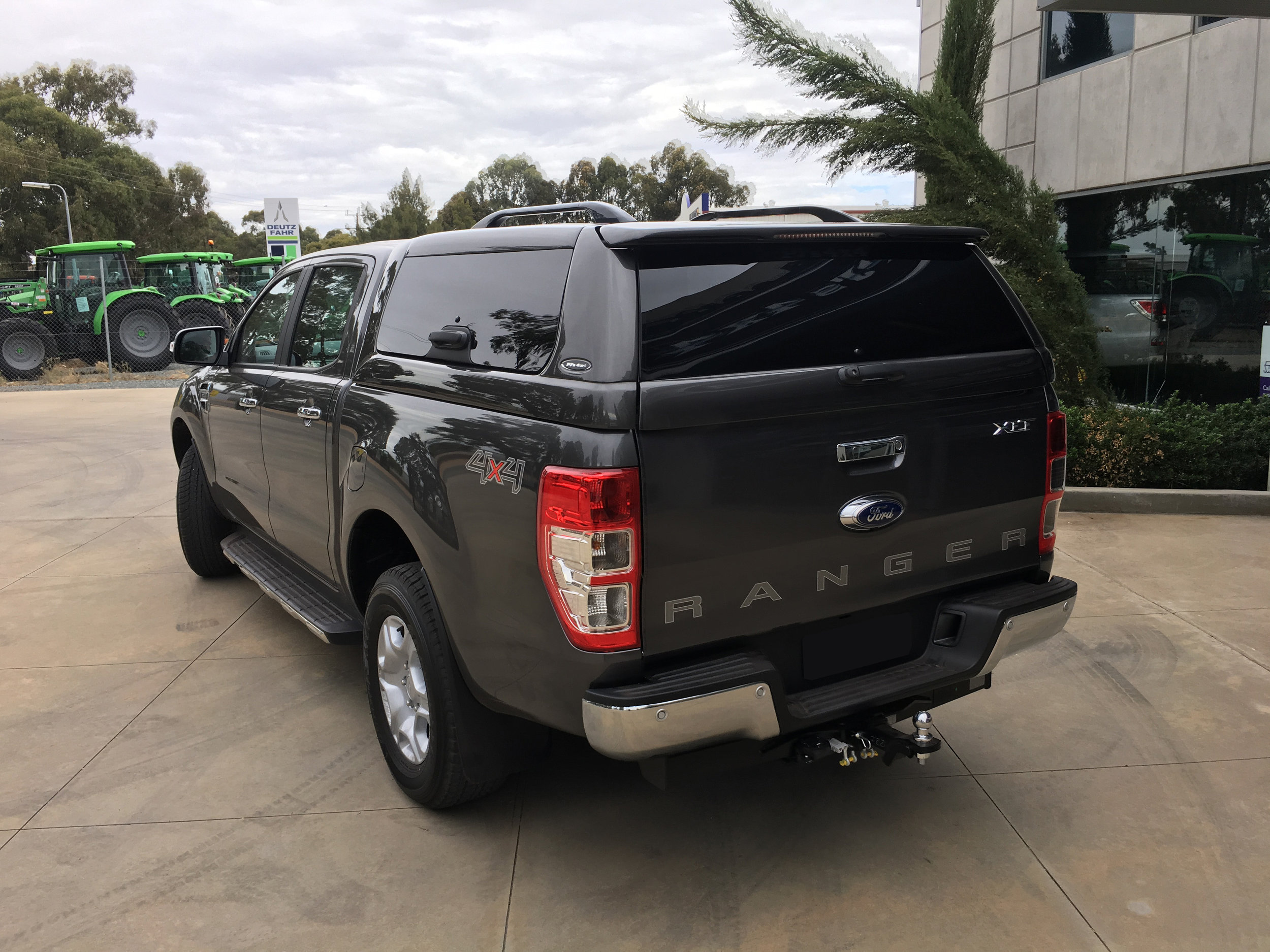 Ford Ranger ELITE Magnetic Grey 105.JPG