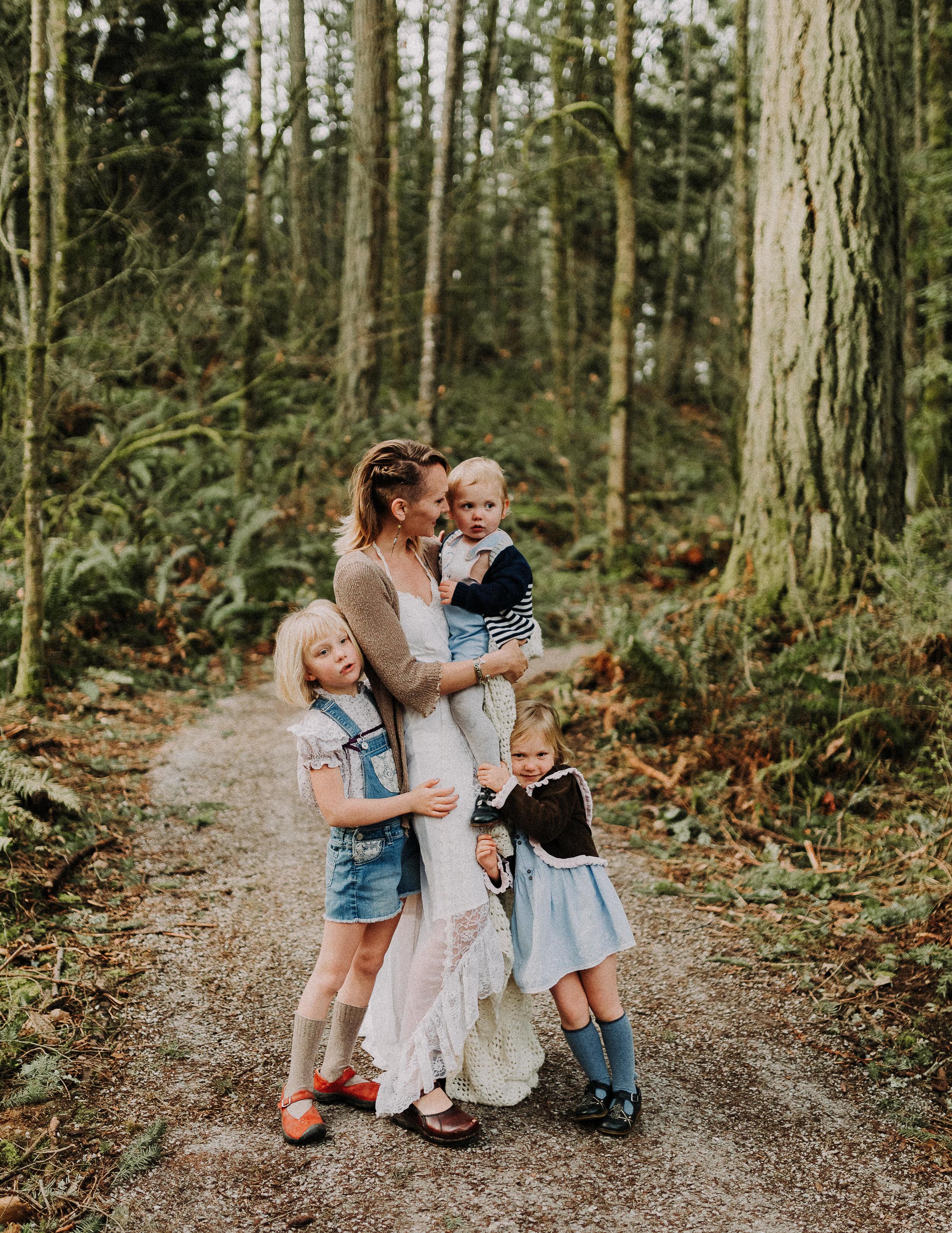 Motherhood-Photographer-Bellingham-WA-Brianne-Bell-Photography-(Jem)