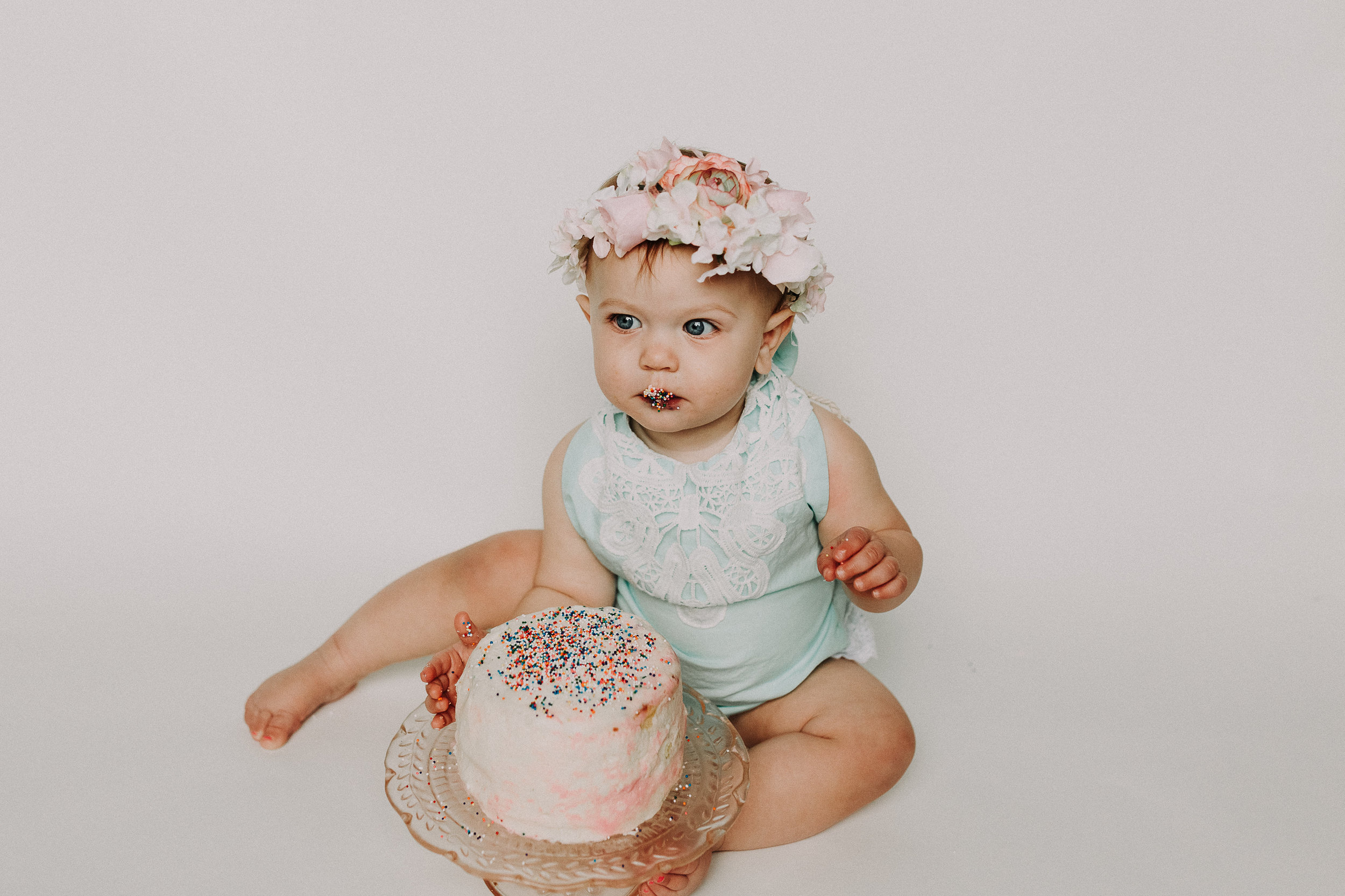 CakeSmash-Photographer-Bellingham-WA-Brianne-Bell-Photography-(Kinley).jpg