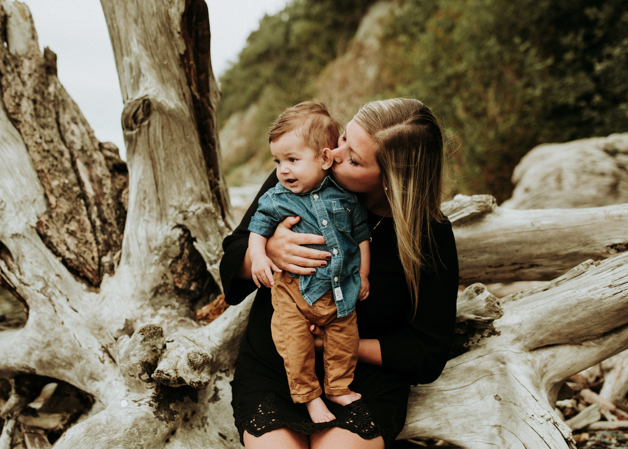Family-Photographer-Bellingham-WA-Brianne-Bell-Photography-(Pier)