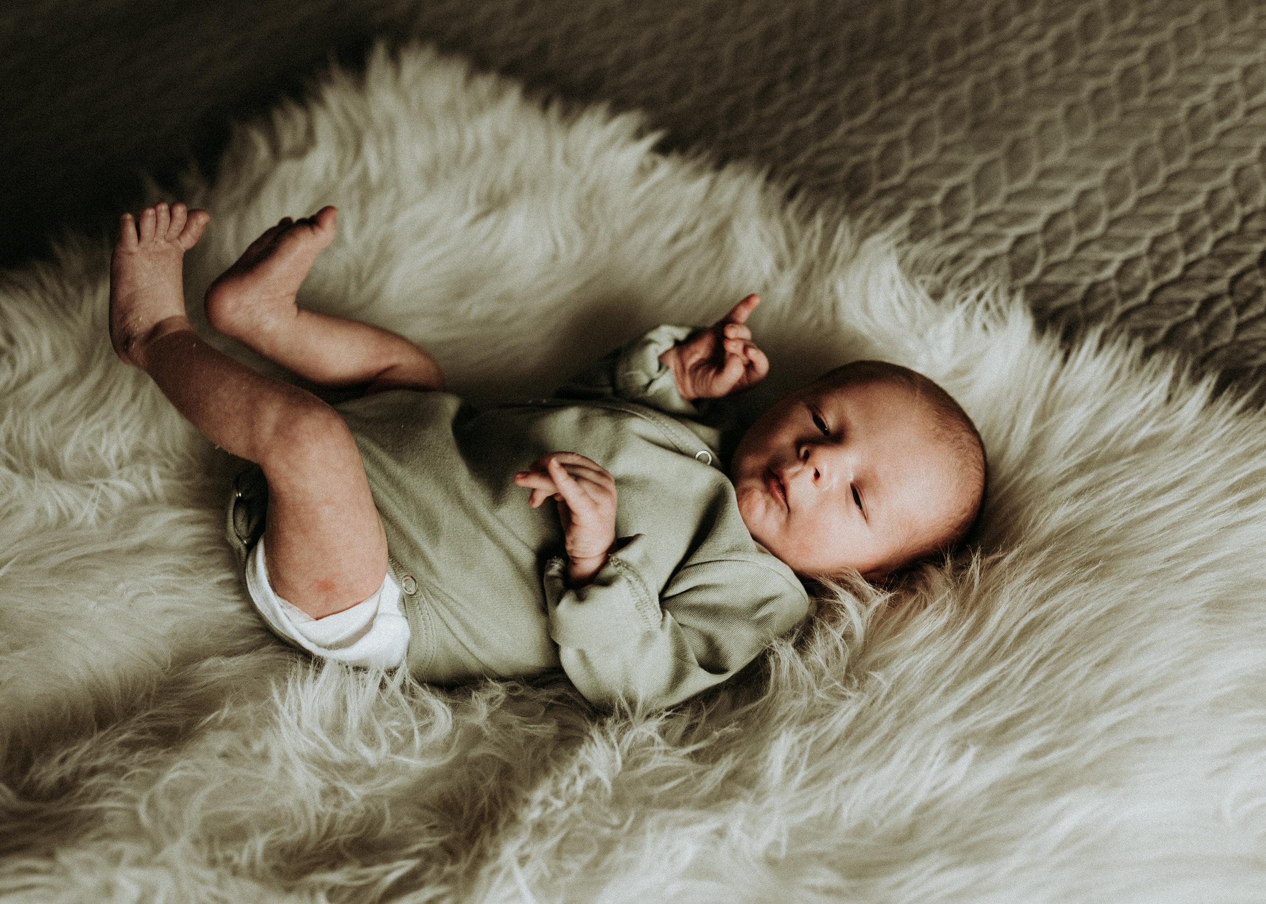 Newborn-Photographer-Bellingham-WA-Brianne-Bell-Photograpy-(Grayson)-14.jpg