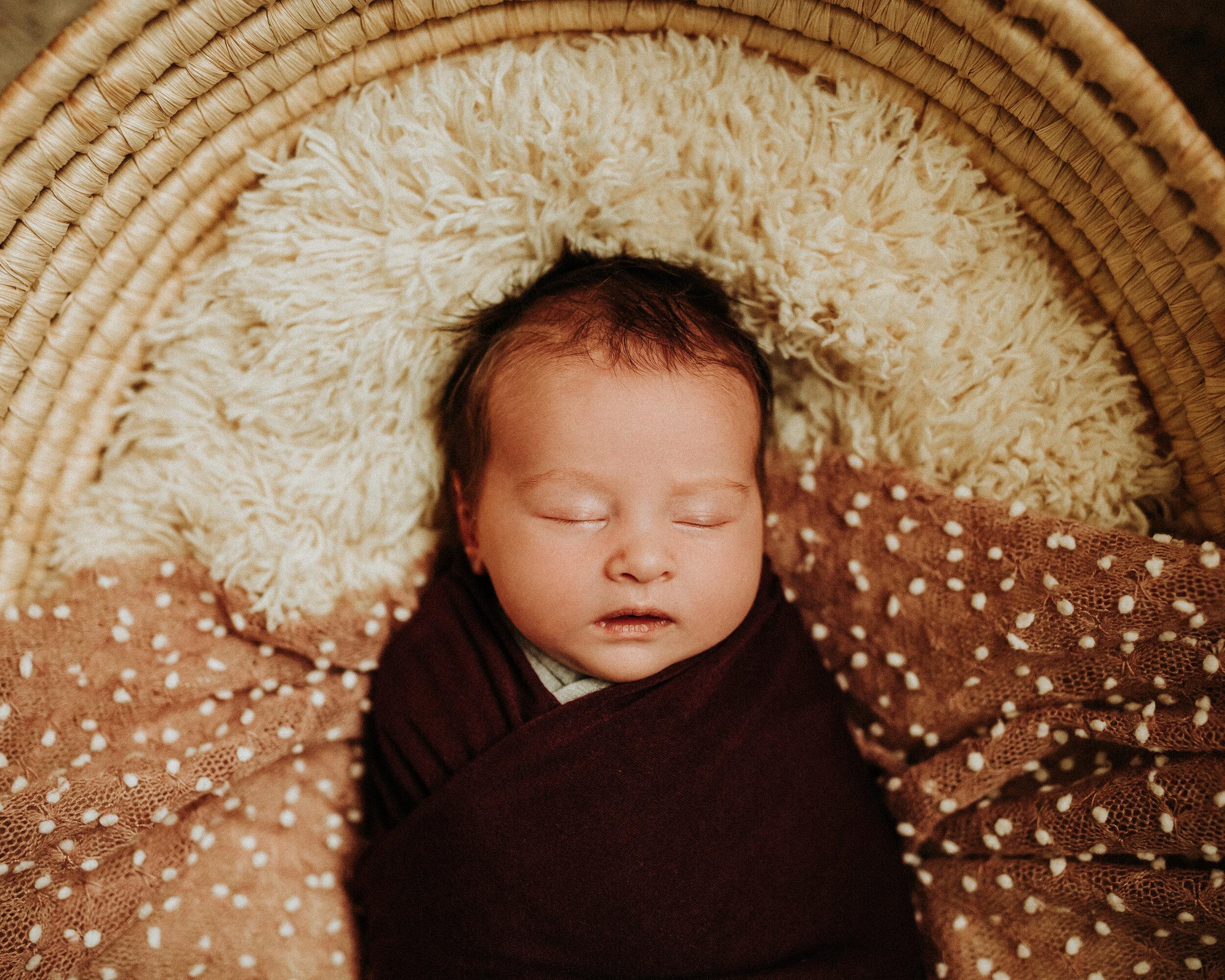 Newborn-Photographer-Bellingham-Wa-Brianne-Bell-Photography-(Dottie)-23.jpg