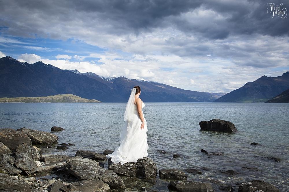 lake wedding photos 31
