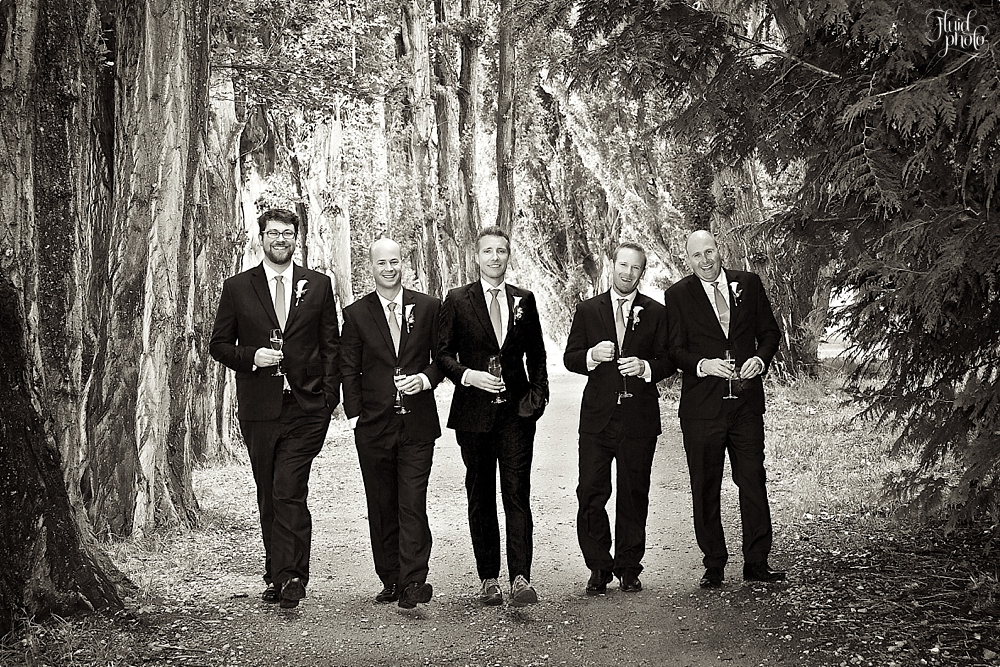 groomsmen-photo-ideas-17.jpg
