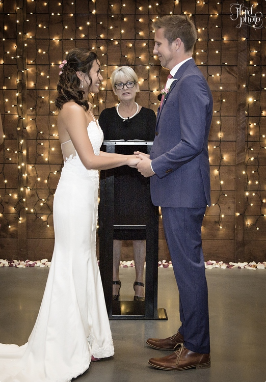 indoor-wedding-ceremony-photo-08.jpg