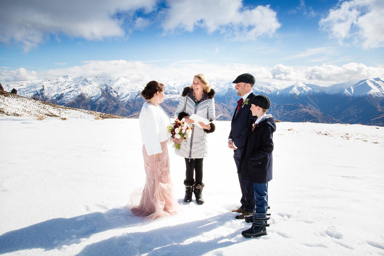 wanaka-elopement-wedding-photographer-02.jpg