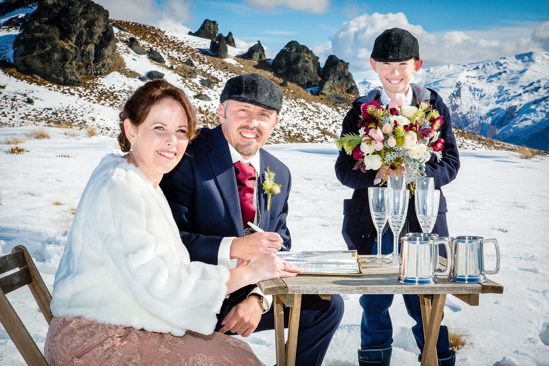 wanaka-elopement-wedding-photographer-08.jpg