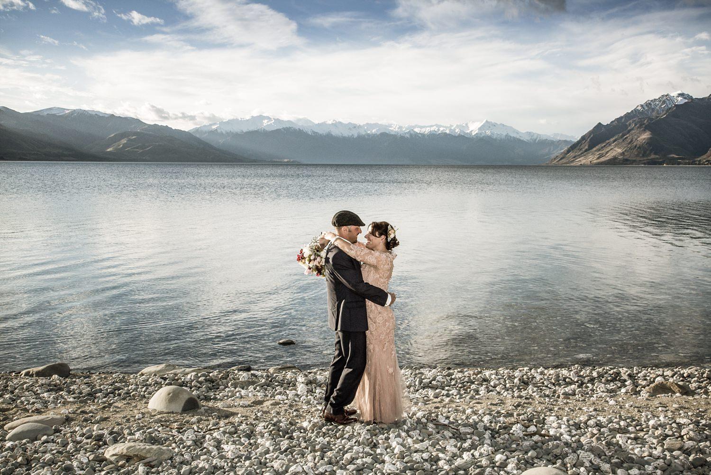 lake-hawea-elopement-wedding-photographer-11.jpg