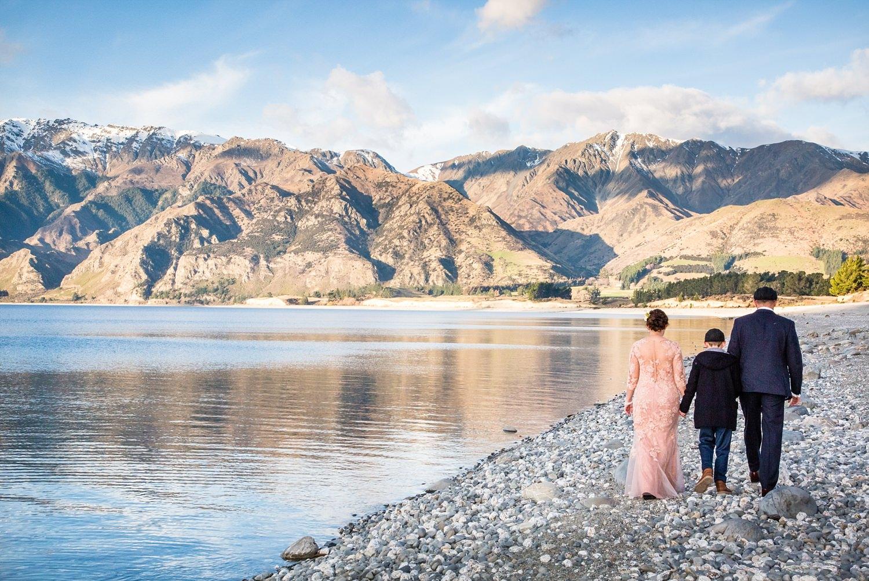 lake-hawea-elopement-wedding-photographer-19.jpg