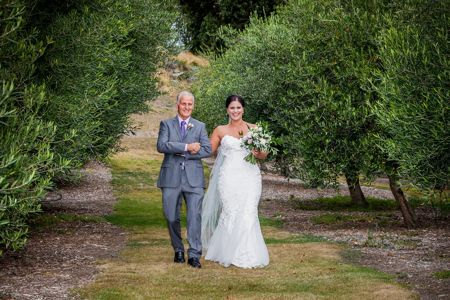 olive-grove-wanaka-wedding-15.jpg