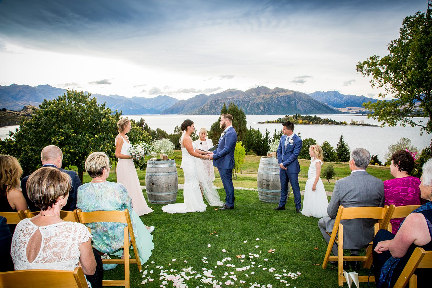 olive-grove-wanaka-wedding-17.jpg