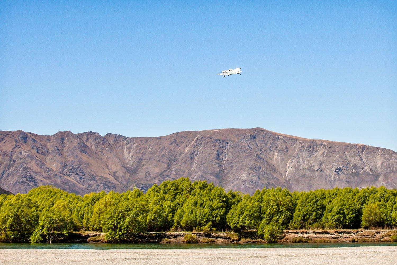 10-crop-plane-wanaka.jpg