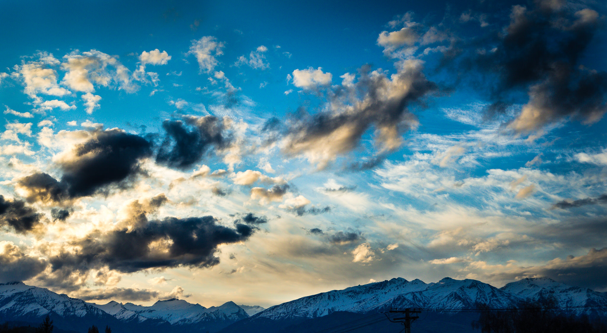 painted-clouds- dusk-lake-wanaka.jpg