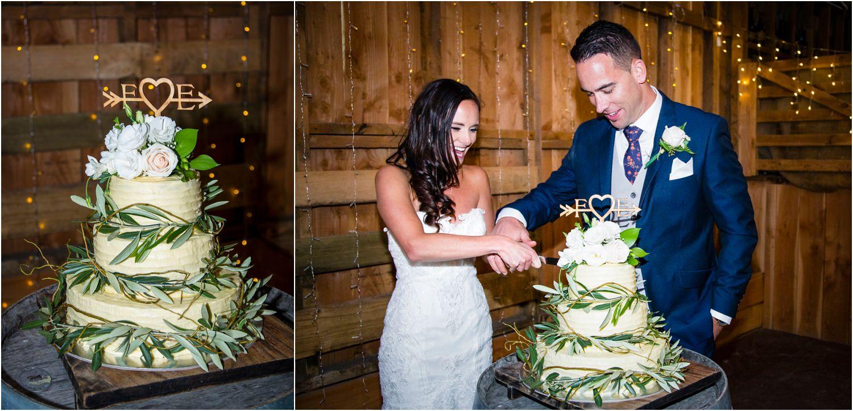 Wedding cake | Glendhu Station Woolshed wedding reception Wanaka | Photography by Fluidphoto