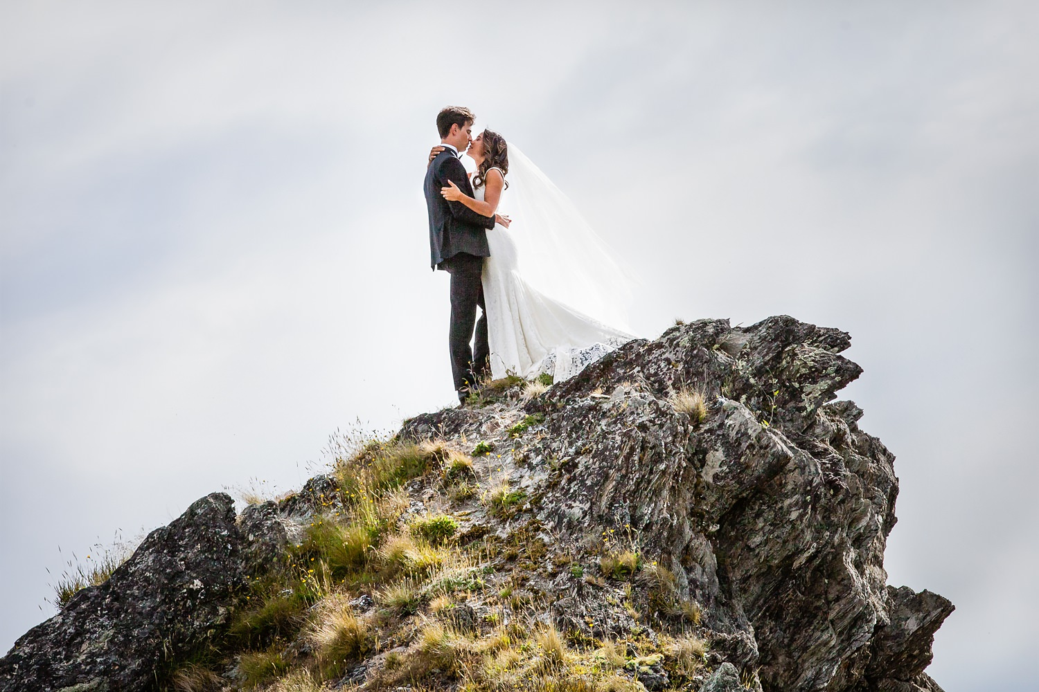 Wanaka epic mountain vistas - say I do in Wanaka