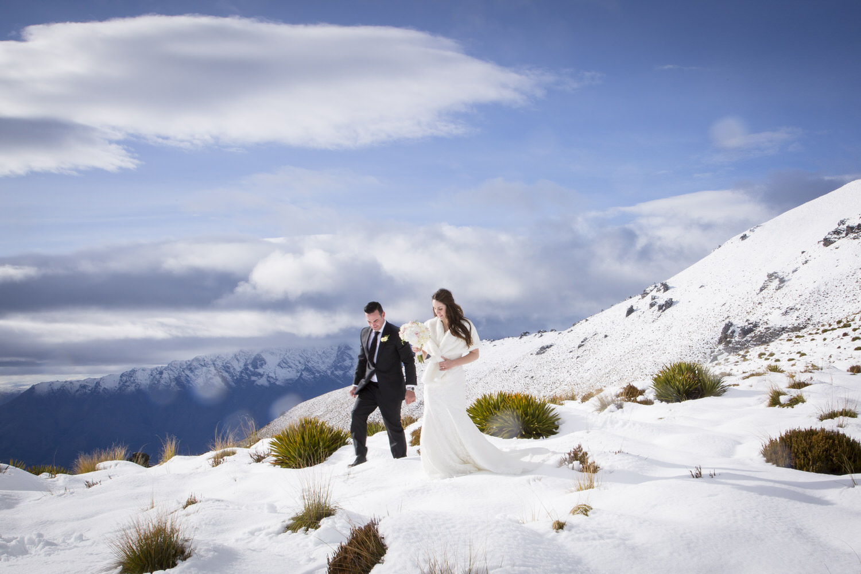 snow-wedding-new-zealand.jpg