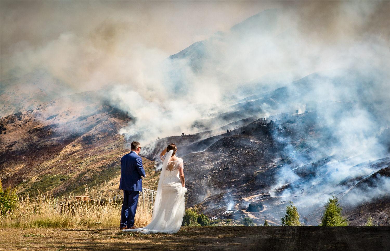 009-wanaka-fire-bride-groom.jpg