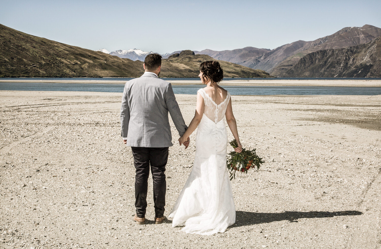 062-bride-groom-west-wanaka.jpg