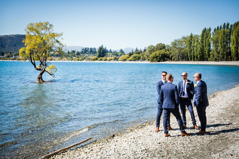 020-groomsmen-lake-wanaka.jpg