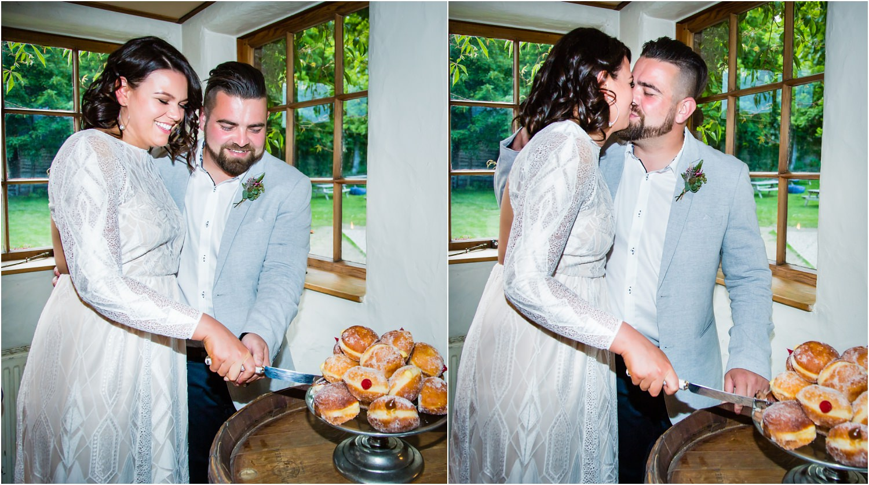 Cardrona Wedding - cutting the cake