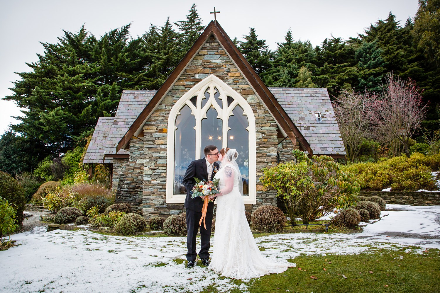 Queenstown wedding | Wanaka Winter Wedding | Mountain wedding | Photography by Ruth Fluidphoto