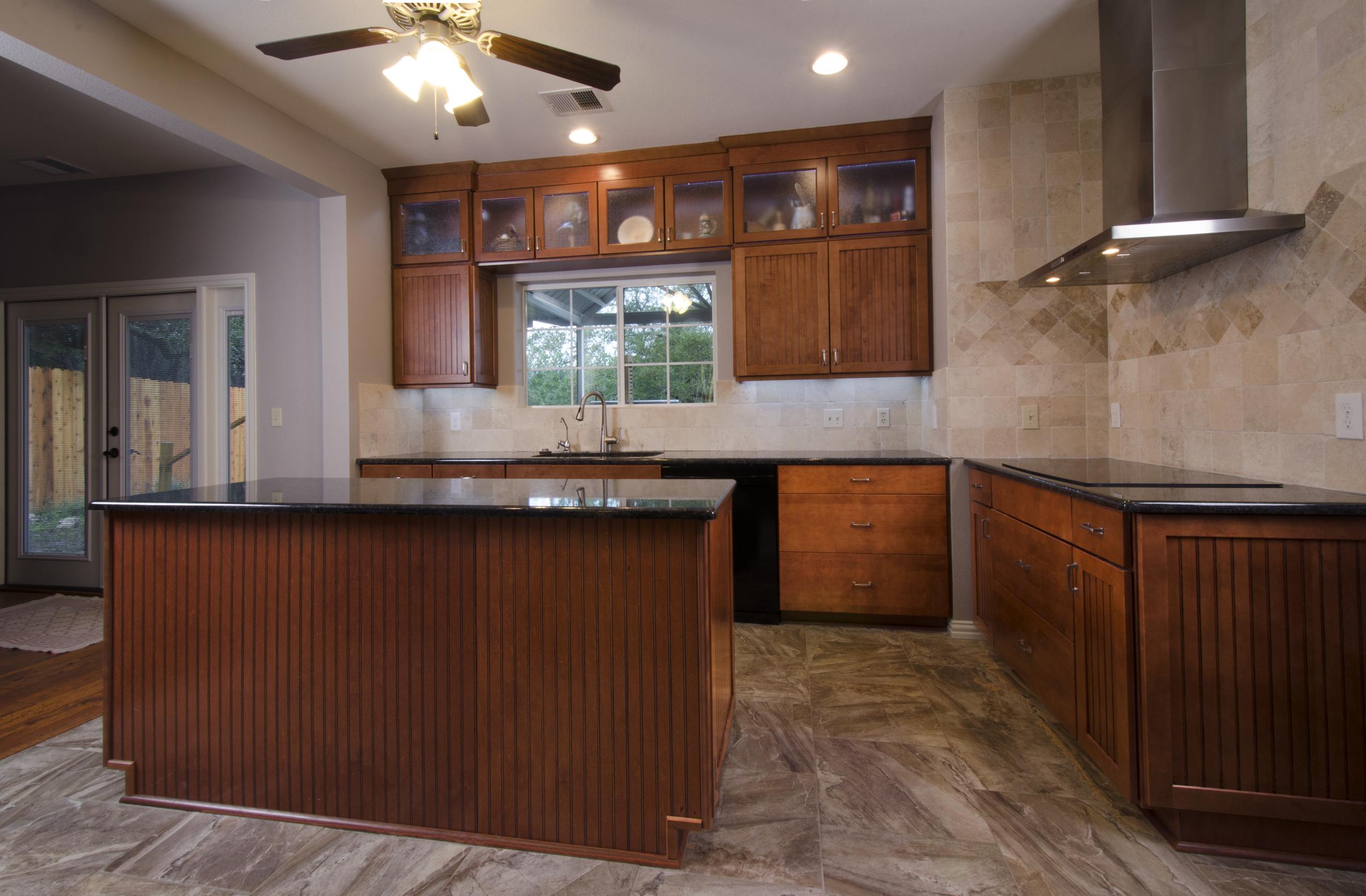 New-Braunfels_25_Rays-kitchen.jpg