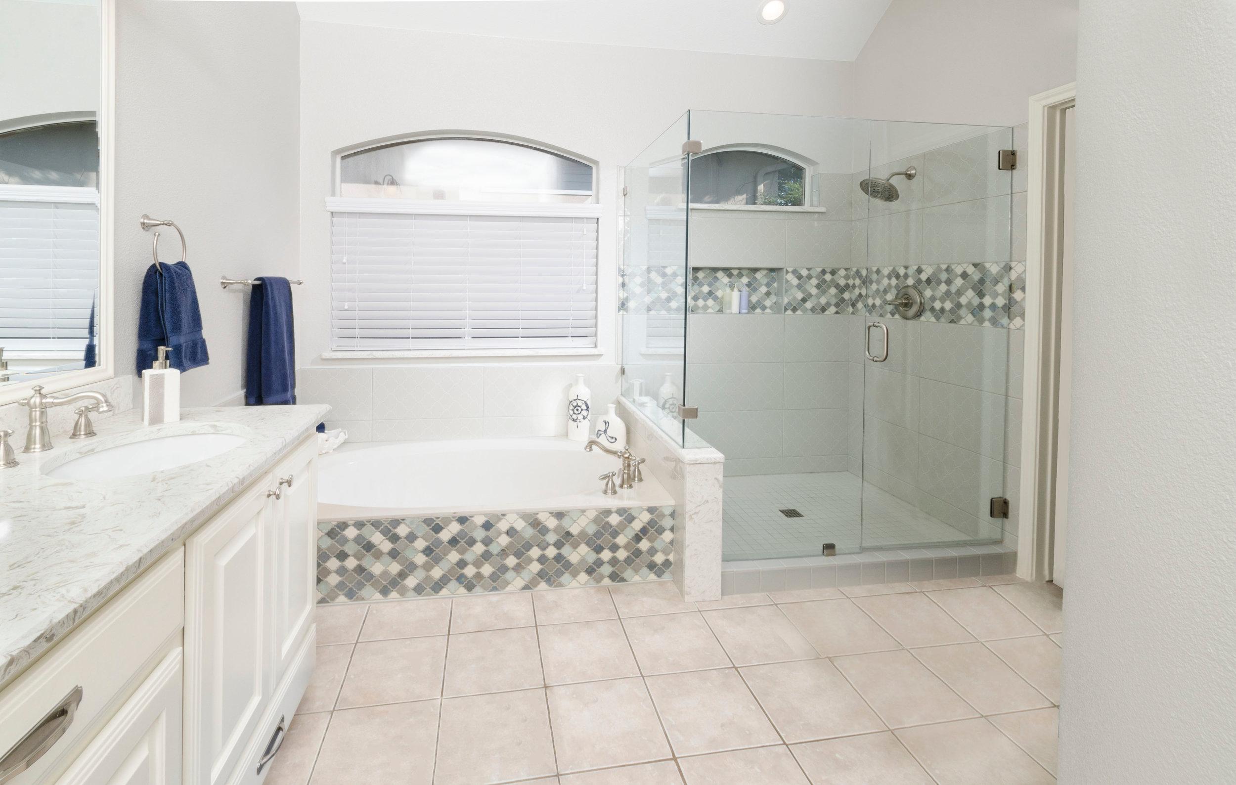 Benson Baths_0733_w_o_rugs_HiRes.jpg