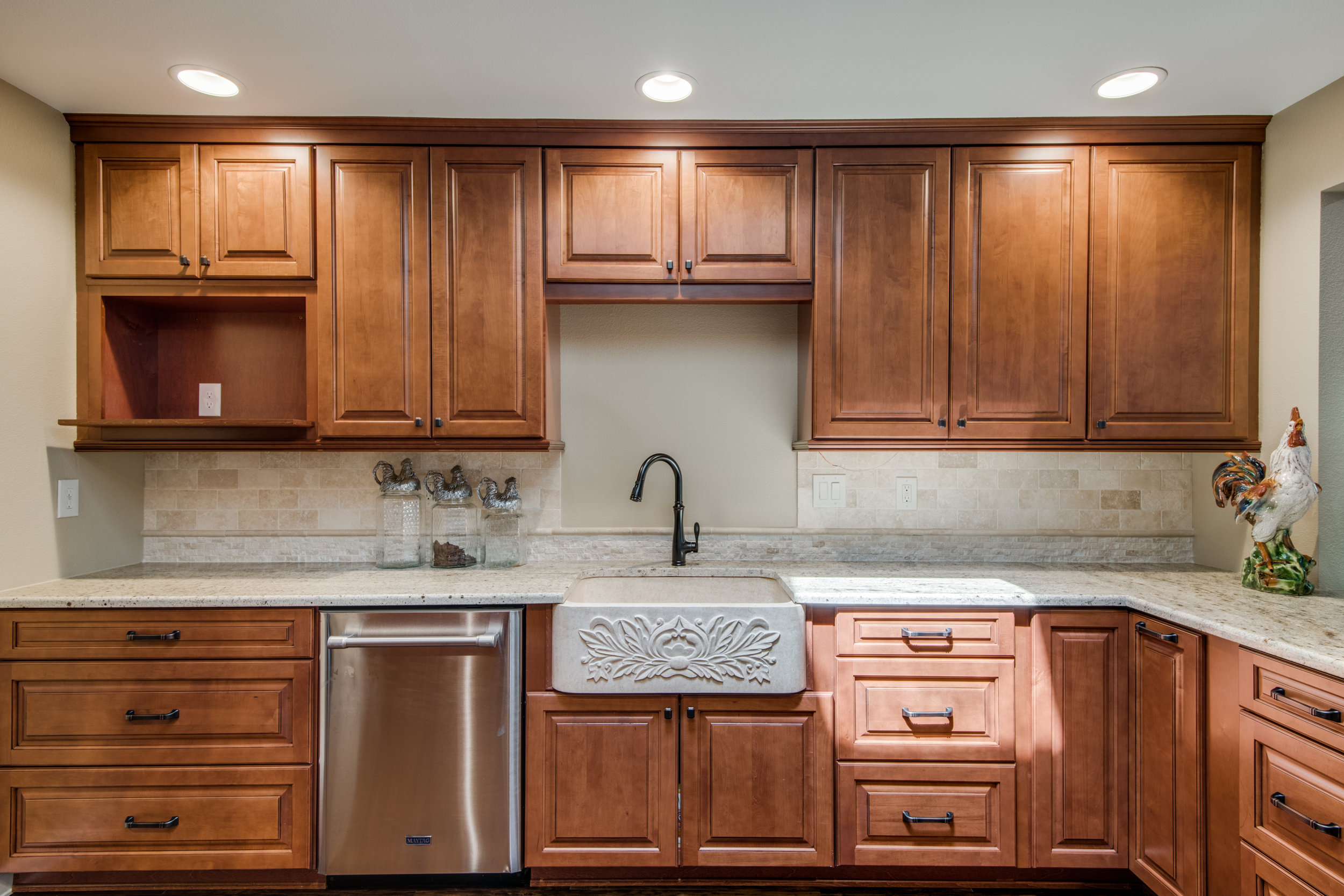Does My Kitchen Need A Facelift Or Full Remodel Km Builders
