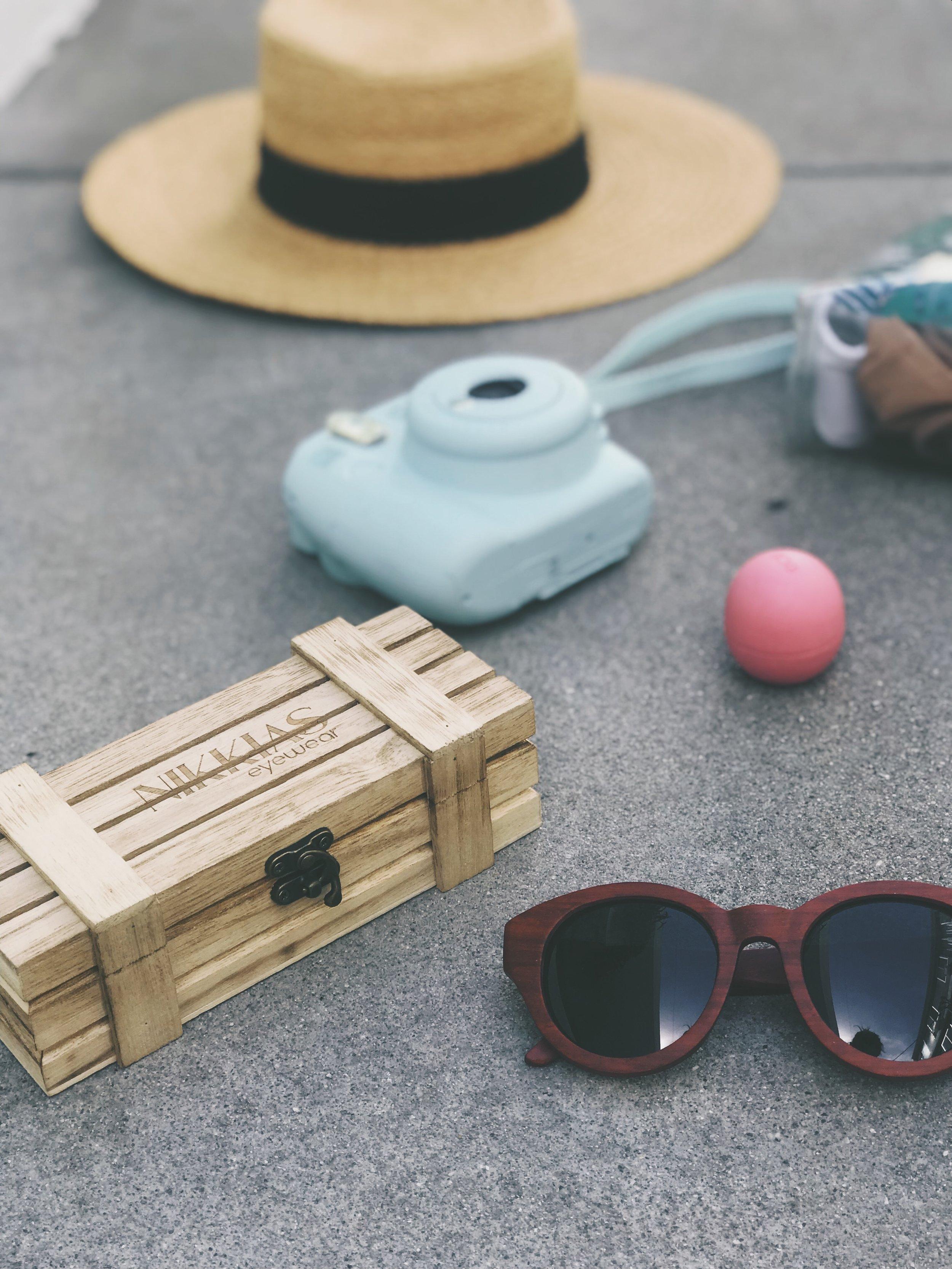 Sun, Bikini - and sunglasses