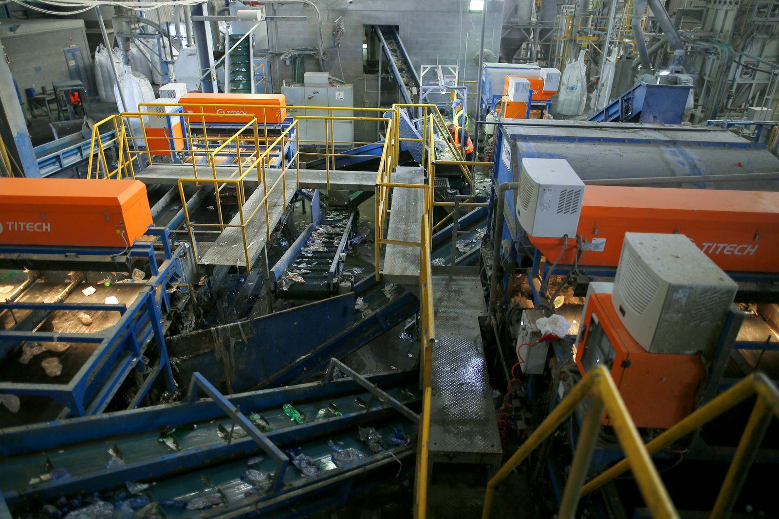 מכונות טיטק מלמעלה רחב 2.JPG