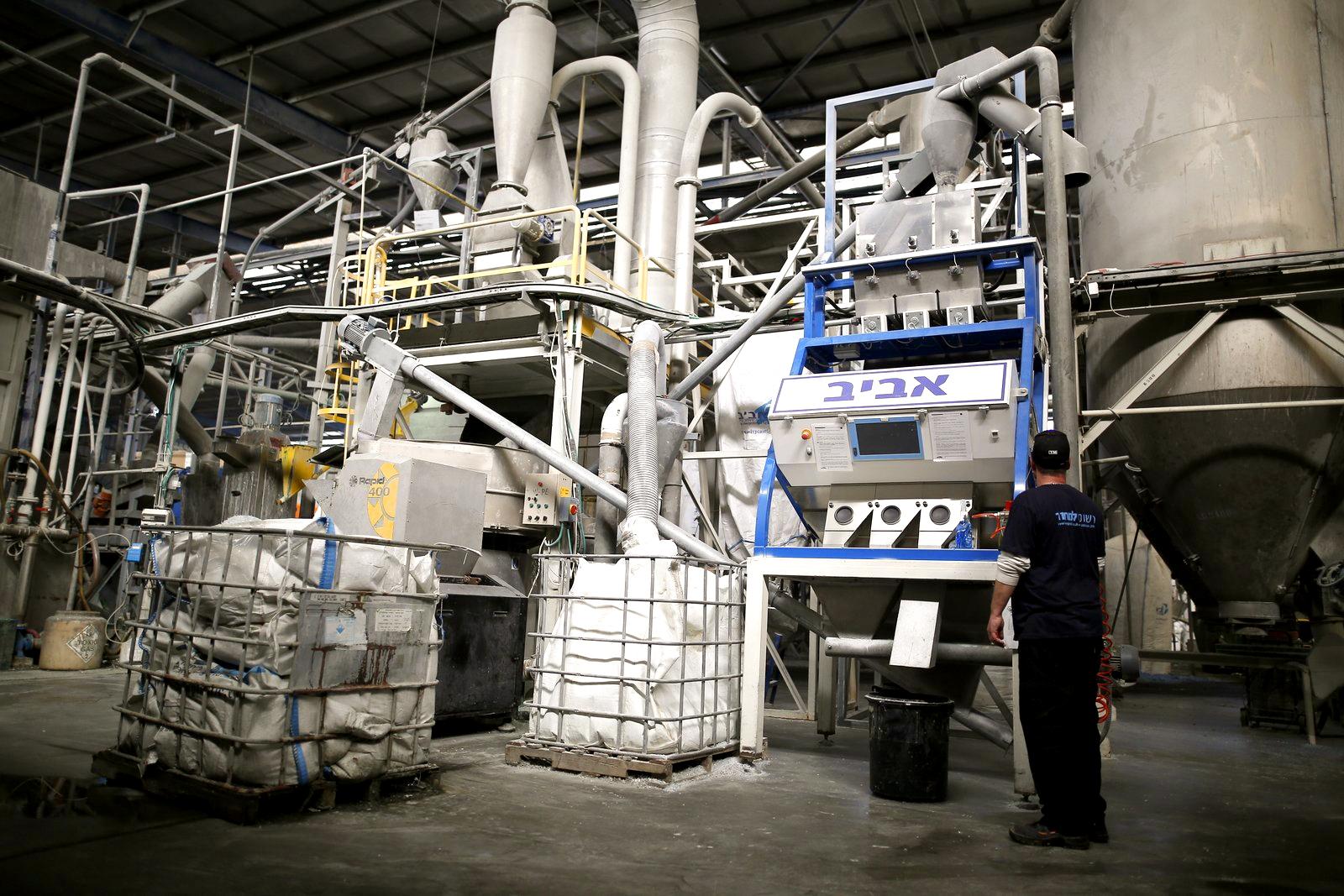 מכונות מיון חזית בקרה.JPG