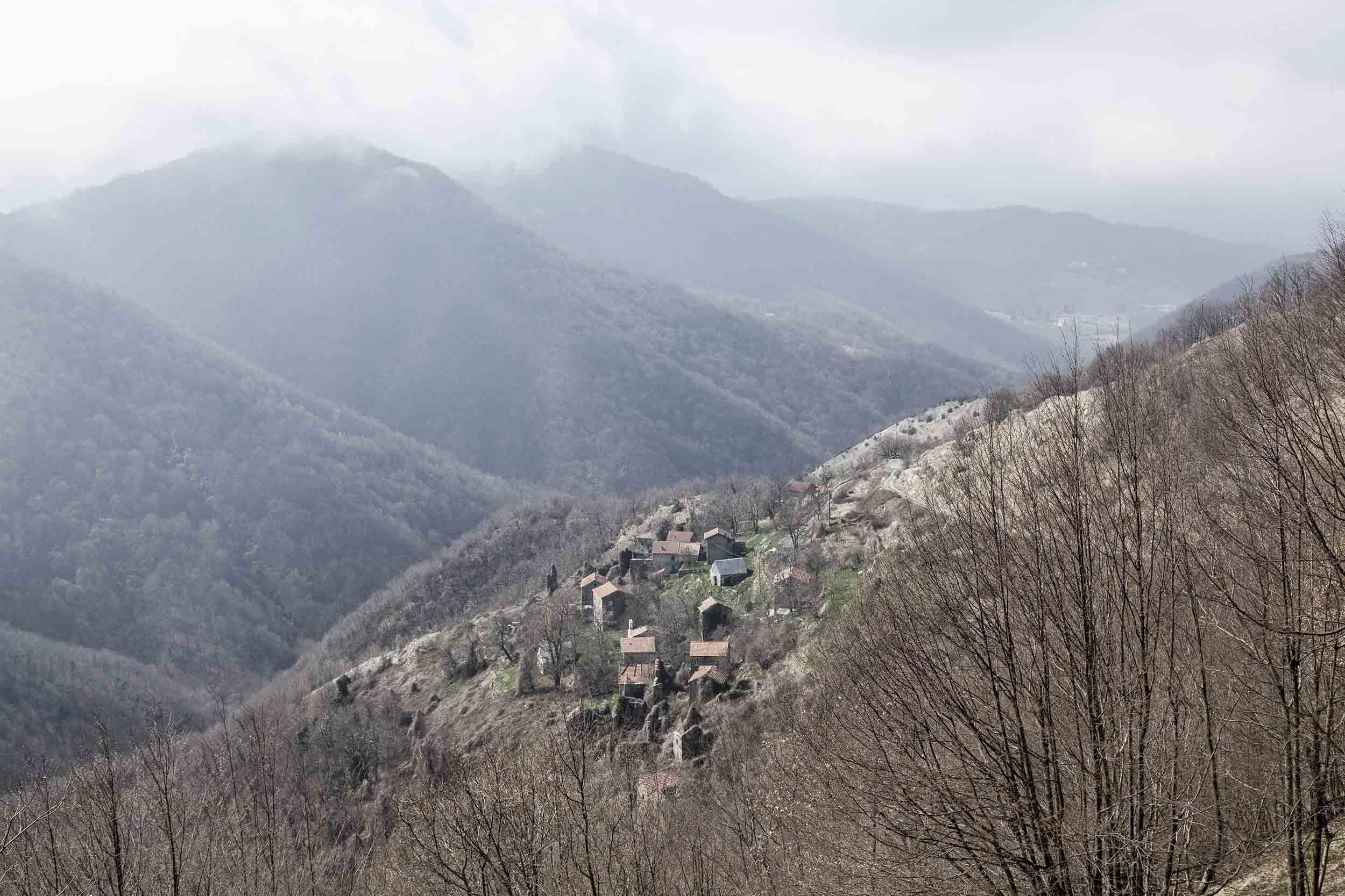 Verbrachte Kulturlandschaft nördlich von Genua, Italien. Bild: Luca Casonato