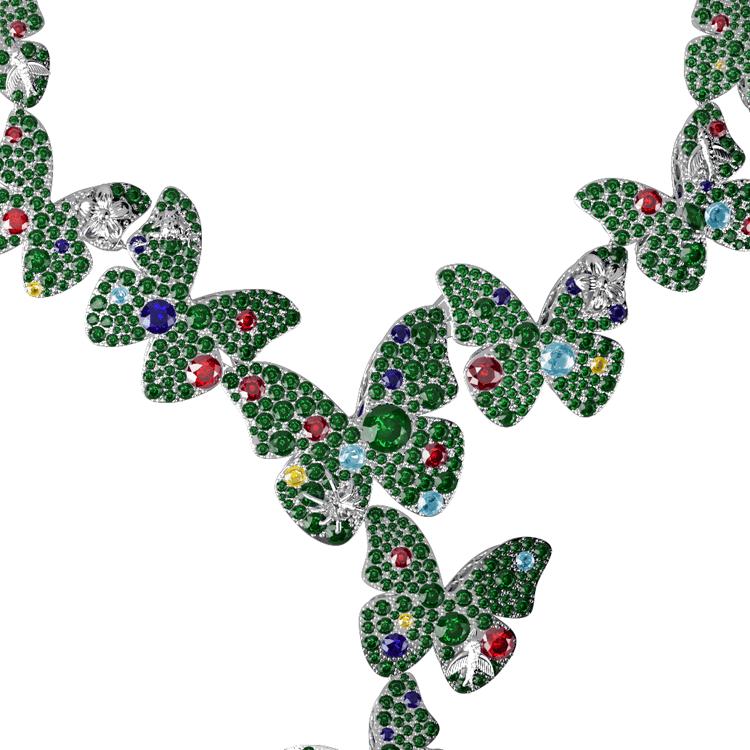 Rainforest necklace close up.png