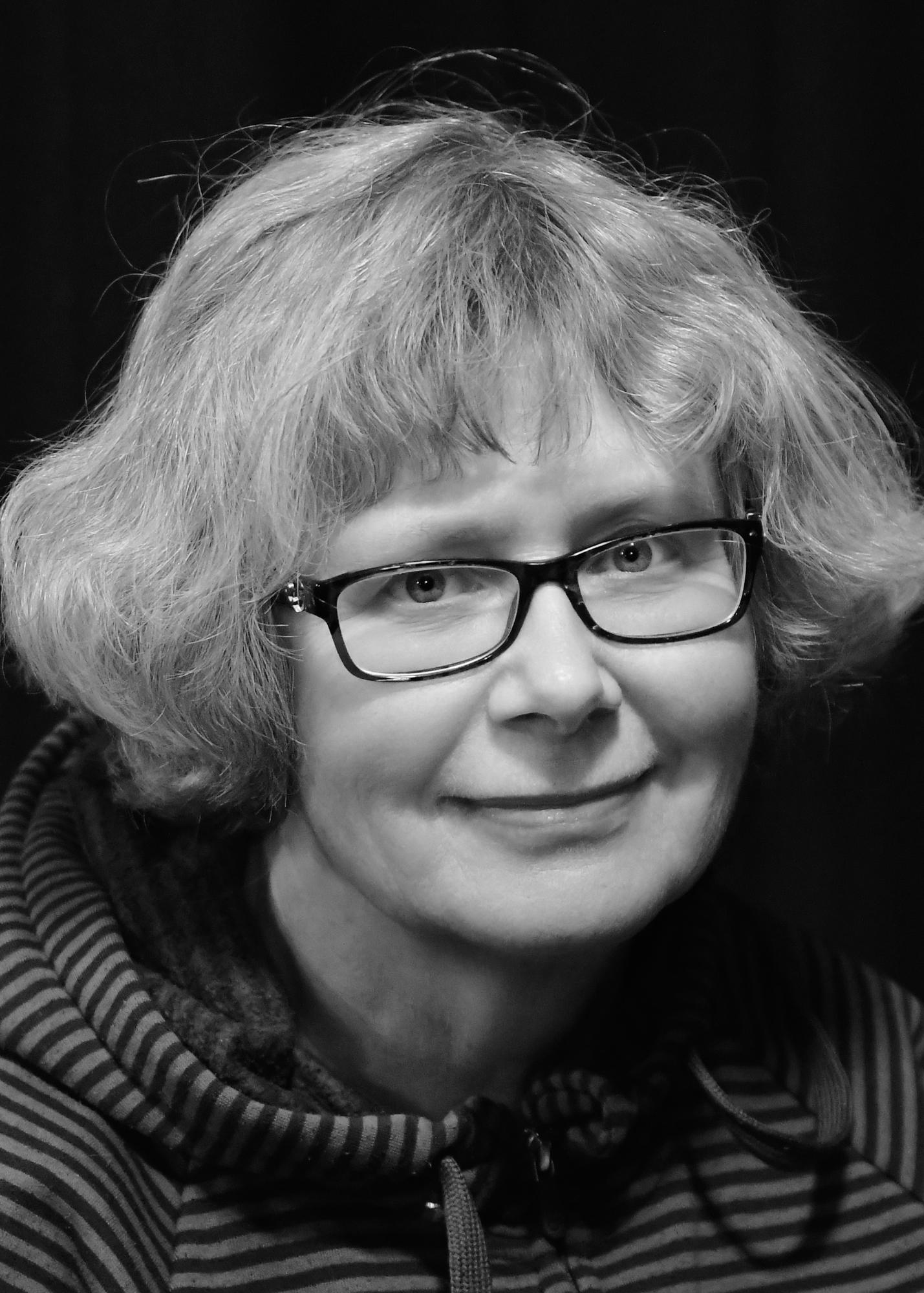 Susan Hall     Stage Manager + Lighting Operator
