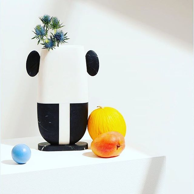 Hello I'm Pietro!  @mmairo_design designed by @matteocibic — Black Marquina and Bianco Michelangelo Marble —- #marble #sculpture #carraramarble #designedition #matteocibic #art #collectible #wunderkammer
