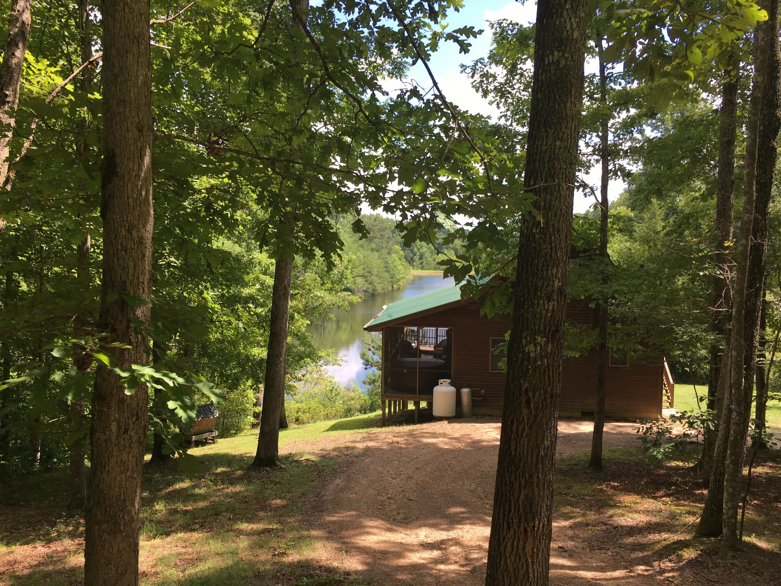 One of the beautiful cabins in the woods at Lago Linda