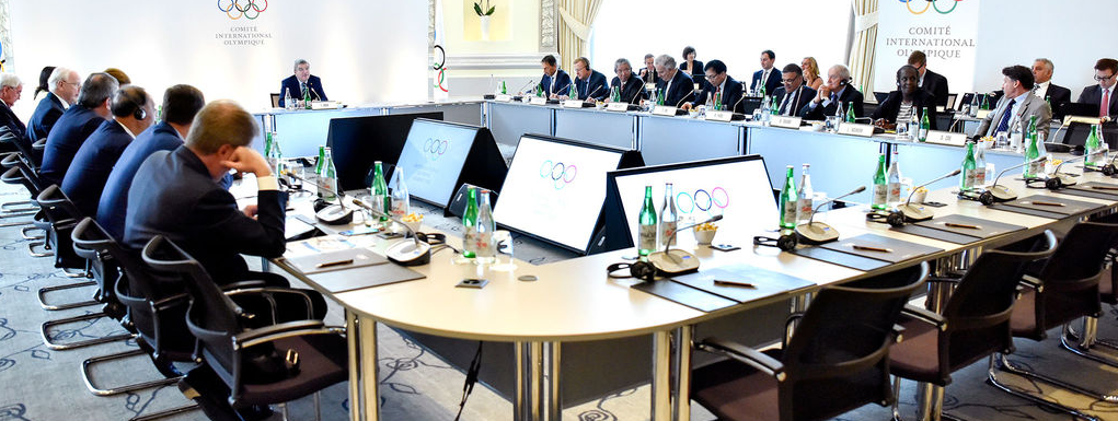Thomas Bach (back, center) presiding over Tuesday's Olympic Summit at IOC headquarters in Lausanne, Switzerland. (Christophe Moratal / IOC)