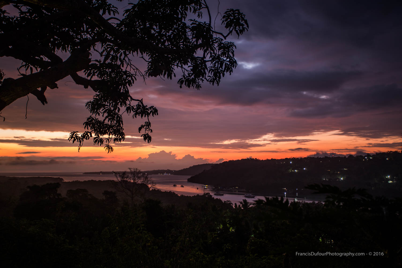 Sunrise in Lembogan