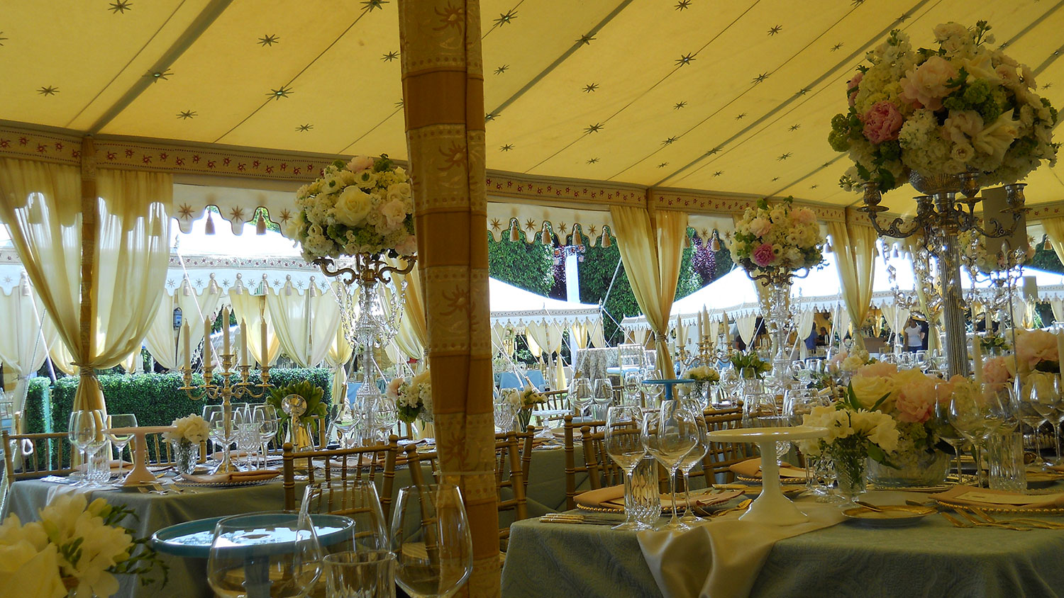 raj-tents-maharaja-honeyglow-dinner.jpg